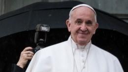 «НуПап!»: главу католической церкви высмеяли занарушение важного ритуала