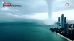 Водяной смерч вМалайзии— видео