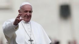Папа Римский признал право женщин наравенство, ноненаруководящие посты