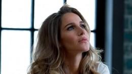«Сегодня ядам утонуть вмоей бездне»: Юлия Ковальчук показала фото впостели