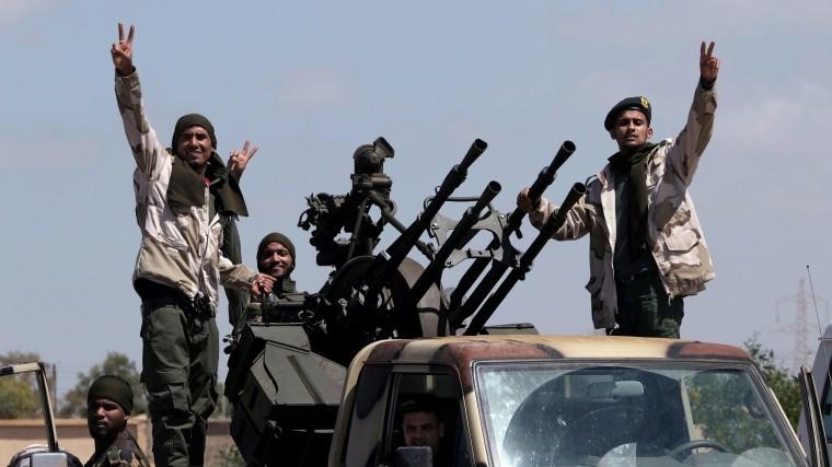 ВВС Нацединства нанесли авиаудары поаэропорту возле Триполи