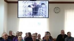 «Все забрали, выгнали наулицу»: Жена Александра Шестуна обизъятом имуществе