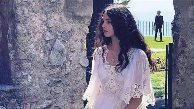 Видео: Дочь Моники Беллуччи иВенсана Касселя дебютировала вроли модели