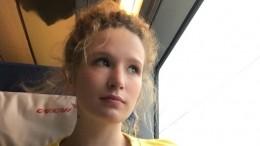 «Рената Литвинова вмолодости!»: Всети обсуждают «дьявольское» фото Монеточки