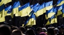 Вцентр Киева стягивают полицию, Нацгвардию имедиков