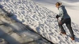 Девушка провалилась вледяную трещину нагоре Эльбрус вКабардино-Балкарии