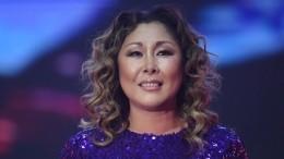 Видео: Анита Цой «мультяшным» голосом рассказала, как выбрать мебель для дома