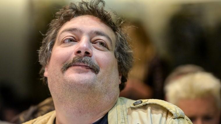 Писатель Дмитрий Быков впал вдиабетическую кому