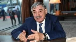 Перепалка Панкратова-Черного состюардом попала навидео