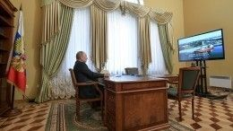 Видео: Путин запустил отгрузку СПГ впорту Ленинградской области
