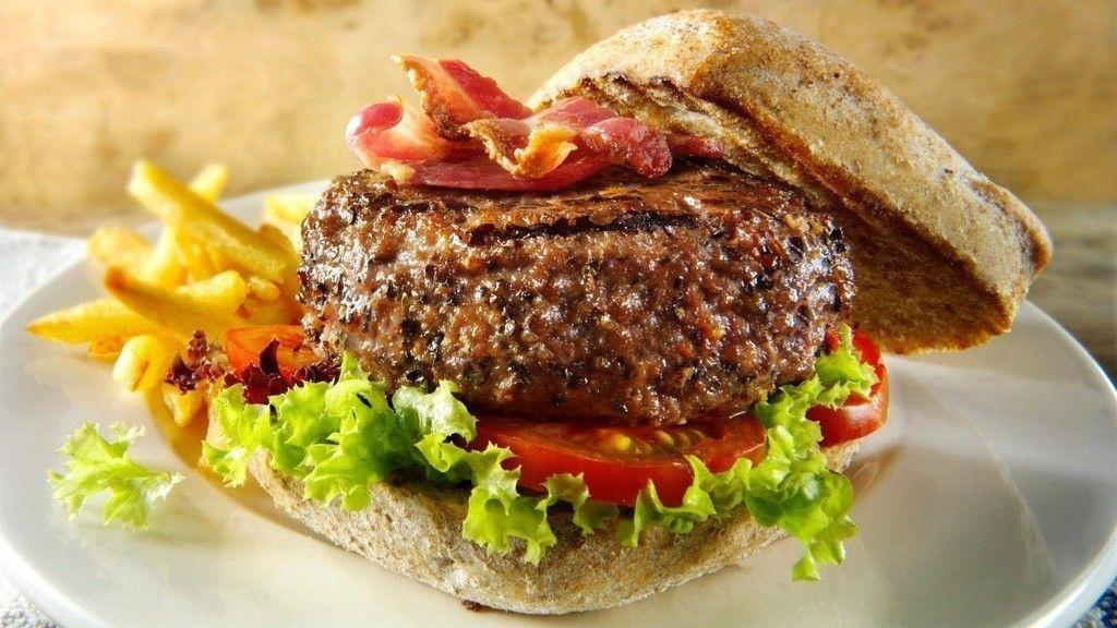 «Погамбургерному счету»— ТОП-5 мест случшими бургерами Петербурга