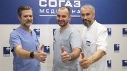 Стоматологи вернули пациенту улыбку занесколько часов