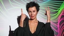 Ирина Апексимова прошла покрасной дорожке ММКФ вместе сдочерью