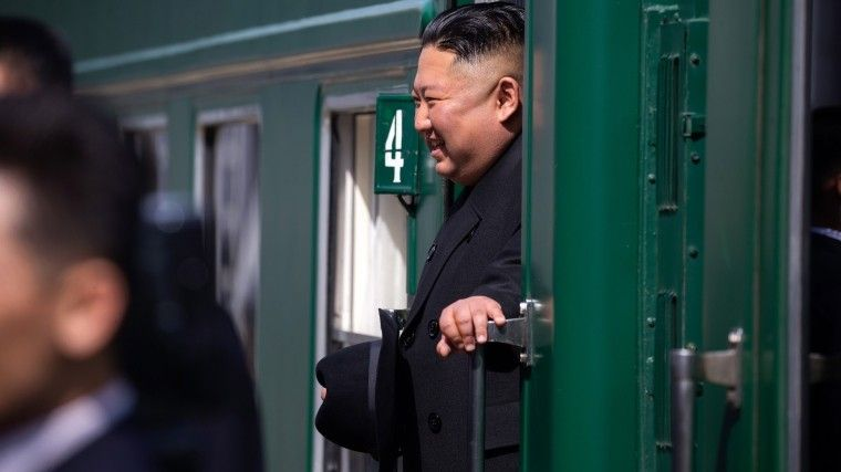 Снимая шляпу: Ким Чен Ынтрогательно попрощался сРоссией