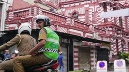 Три взрыва прогремели вгороде Калмунай вШри-Ланке