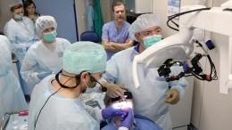 Российские стоматологи задень восстановили пациенту утраченные зубы