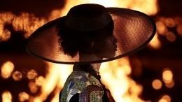 Огонь, вода имодные тренды: Модный дом Кристиан Диор представил новую коллекцию