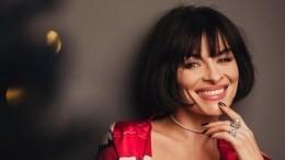 «Обожаю эту грудь»: Экс-солистка «ВИА Гры» похвасталась пышными формами
