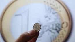 Евро превысил отметку 73 рубля впервые сначала апреля
