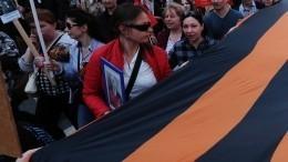 Видео: Самую длинную вРоссии георгиевскую ленту развернули вСевастополе