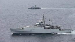 Украинский катер икорабль ВМС Британии провели учения вЧерном море— фото