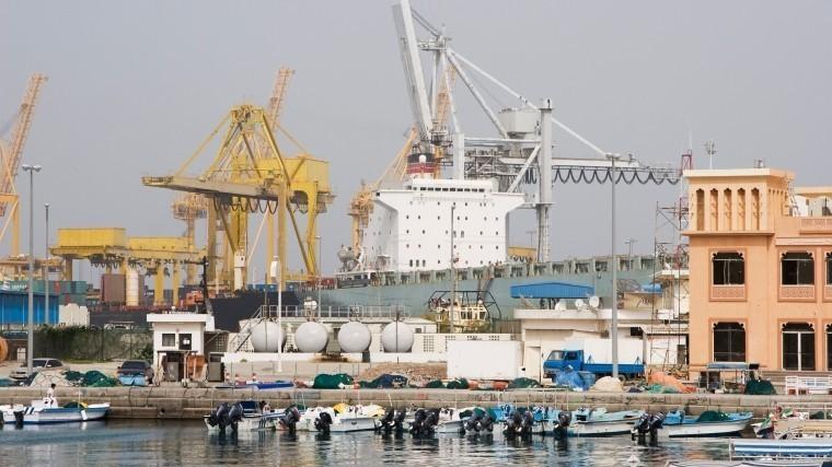 Власти опровергли взрывы танкеров вОАЭ