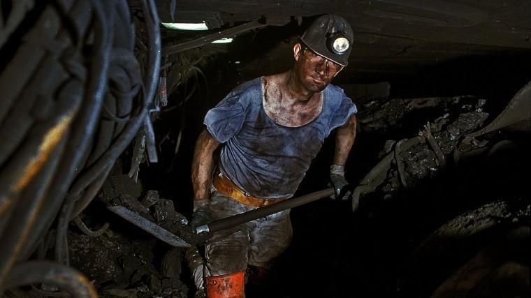 Более 100 горняков экстренно эвакуируют изшахты вКузбассе