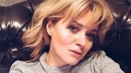 Анна Михалкова намекнула про съемки фильмы для взрослых счупа-чупсом ворту