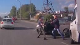 Видео: кемеровские водители устроили жесткий поединок «раз нараз»