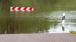 Из-за наводнений ведется эвакуация жителей некоторых регионов России иСША