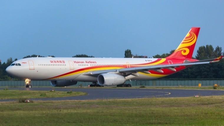 ВПетербурге аварийно приземлился лайнер китайской авиакомпании