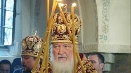 Видео: Патриарх Кирилл освятил главный храм Новодевичьего монастыря вПетербурге