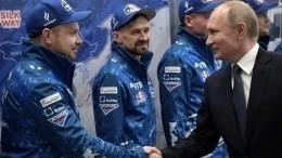 Владимир Путин объявил благодарность участникам команды «КАМАЗ-мастер»