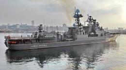 Опубликовано видео опасного маневра крейсера США возле БПК «Адмирал Виноградов»