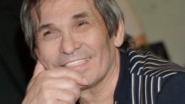Медикам удалось справиться сожогами дыхательных путей Бари Алибасова