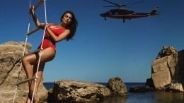 «Брэдли рыдает»: Ирина Шейк сразила фанатов фото вкупальнике