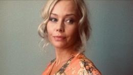 «Фигура— отпад!»: Елена Корикова порадовала поклонников фото спляжа Черногории