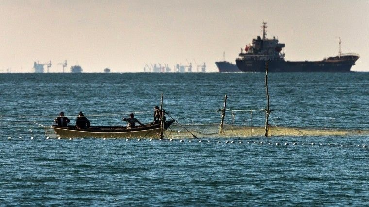 Пользователи высмеяли «отказ» Киева послать корабли вКерченский пролив