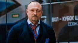 Видео: хоккеист Соколов вышел изСКвоВсеволожске после допроса поделу обубийстве жены