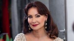 Нонна Гришаева порадовала поклонников стройной фигурой