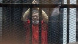 Обвиняемый вшпионаже экс-президент Египта Мурси умер прямо взале суда— видео