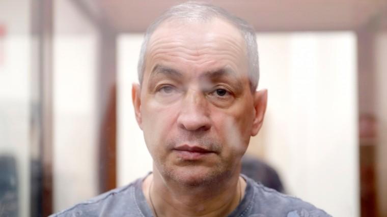 Шокирующие кадры: экс-глава Серпуховского района порезал руки взале суда