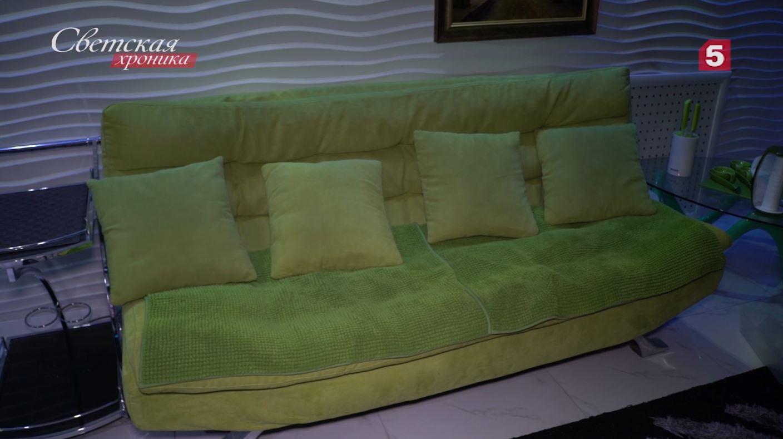 Зеленый диван, на котором чуть было не умер Бари Алибасов