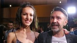 Бывшая жена Сергея Шнурова рассказала, как вывела его иззапоя спомощью курицы