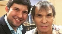 Едва выживший Бари Алибасов оставил сына без наследства