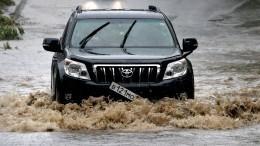 Оправдал название «Северная Венеция»: Сильнейшие ливни затопили Петербург после жары
