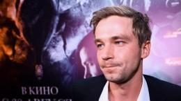 «Это как вбондиане»: Актер Александр Петров больше небудет играть Гоголя