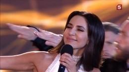 «Вывыбрали правильный путь»— певица Зара обратилась квыпускникам на«Алых парусах»