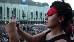Протесты вТбилиси: Демонстранты требуют отставки главы МВД