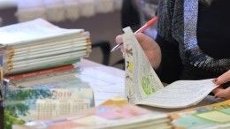 Матвиенко предложила избавить учителей отлишней бумажной работы